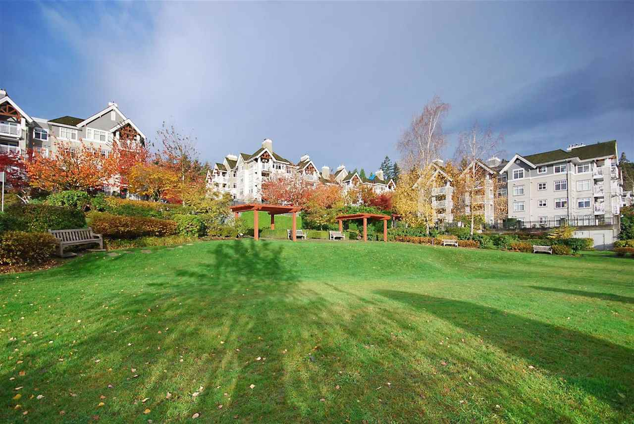 """Photo 15: Photos: 204 1428 PARKWAY Boulevard in Coquitlam: Westwood Plateau Condo for sale in """"Montreaux"""" : MLS®# R2132471"""