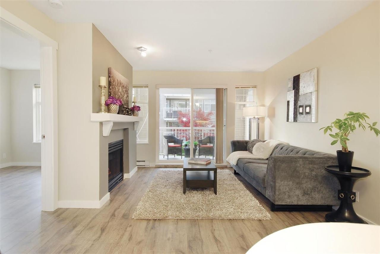 """Photo 2: Photos: 204 1428 PARKWAY Boulevard in Coquitlam: Westwood Plateau Condo for sale in """"Montreaux"""" : MLS®# R2132471"""