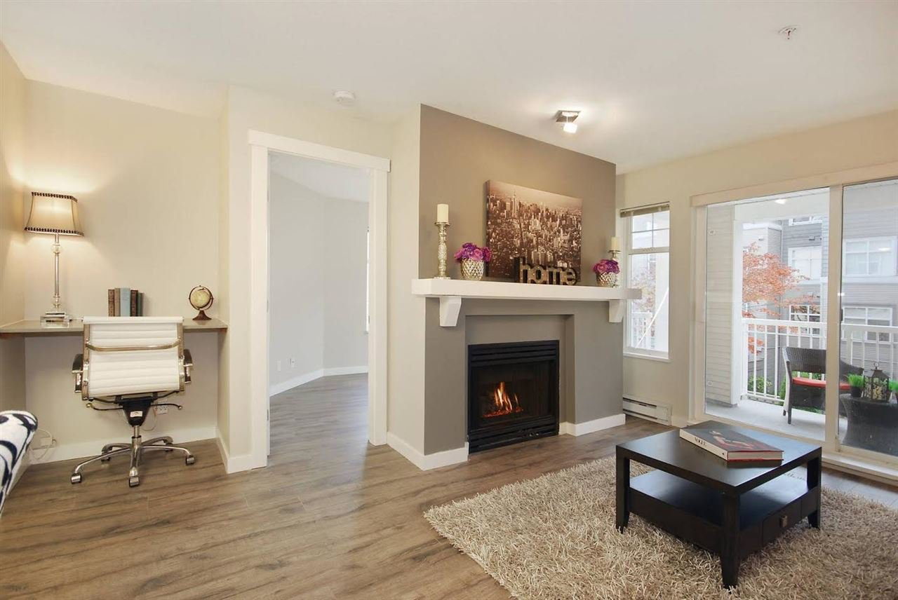 """Photo 9: Photos: 204 1428 PARKWAY Boulevard in Coquitlam: Westwood Plateau Condo for sale in """"Montreaux"""" : MLS®# R2132471"""