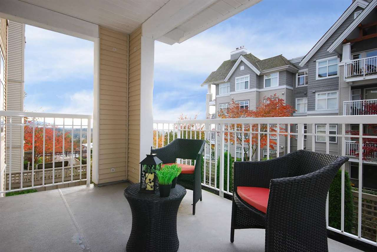 """Photo 6: Photos: 204 1428 PARKWAY Boulevard in Coquitlam: Westwood Plateau Condo for sale in """"Montreaux"""" : MLS®# R2132471"""