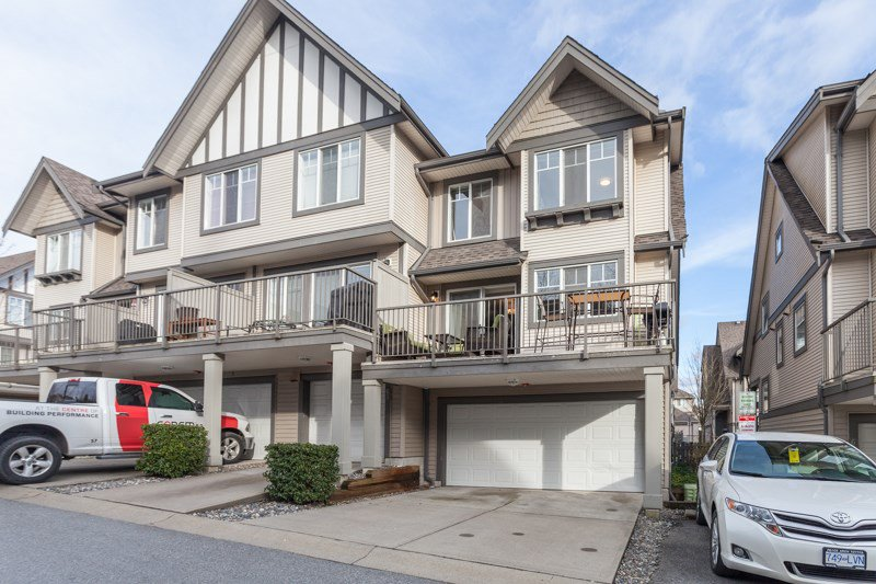 "Main Photo: 64 20038 70 Avenue in Langley: Willoughby Heights Townhouse for sale in ""Daybreak"" : MLS®# R2141794"