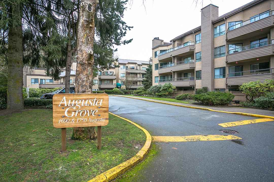 "Main Photo: G10 1690 AUGUSTA Avenue in Burnaby: Simon Fraser Univer. Condo for sale in ""AUGUSTA GROVE"" (Burnaby North)  : MLS®# R2148903"