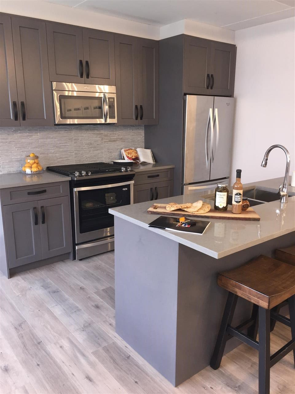 """Photo 2: Photos: 66 1188 MAIN Street in Squamish: Downtown SQ Townhouse for sale in """"SOLEIL AT COASTAL VILLAGE"""" : MLS®# R2166096"""