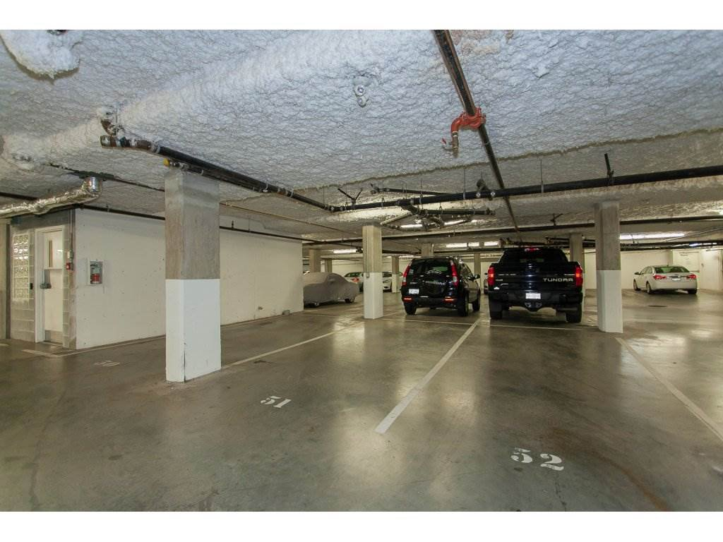 """Photo 18: Photos: 402 19730 56 Avenue in Langley: Langley City Condo for sale in """"Madison Place"""" : MLS®# R2178956"""