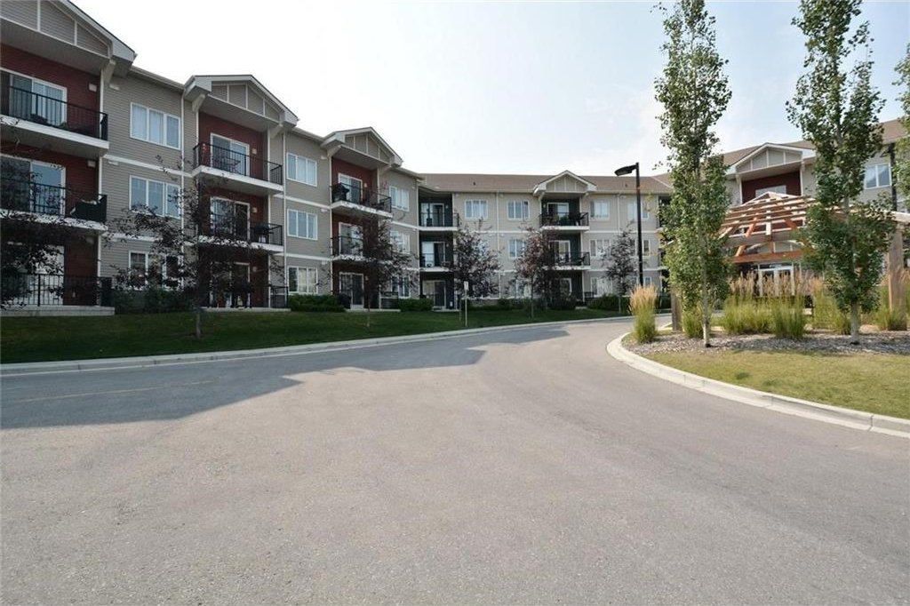 Main Photo: 1231 1540 SHERWOOD Boulevard NW in Calgary: Sherwood Condo for sale : MLS®# C4133168