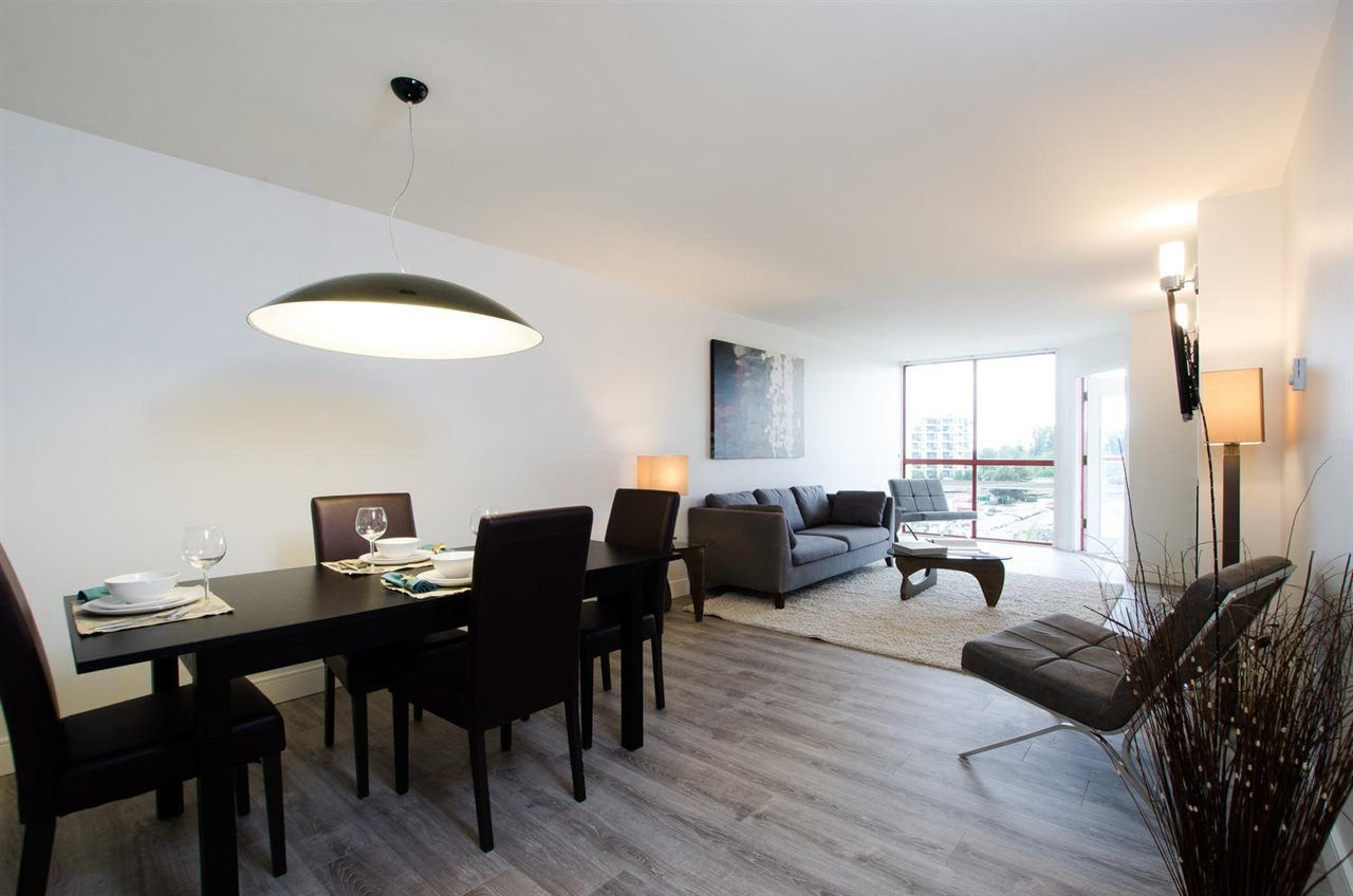"""Main Photo: 407 220 ELEVENTH Street in New Westminster: Uptown NW Condo for sale in """"QUEENS COVE"""" : MLS®# R2275679"""