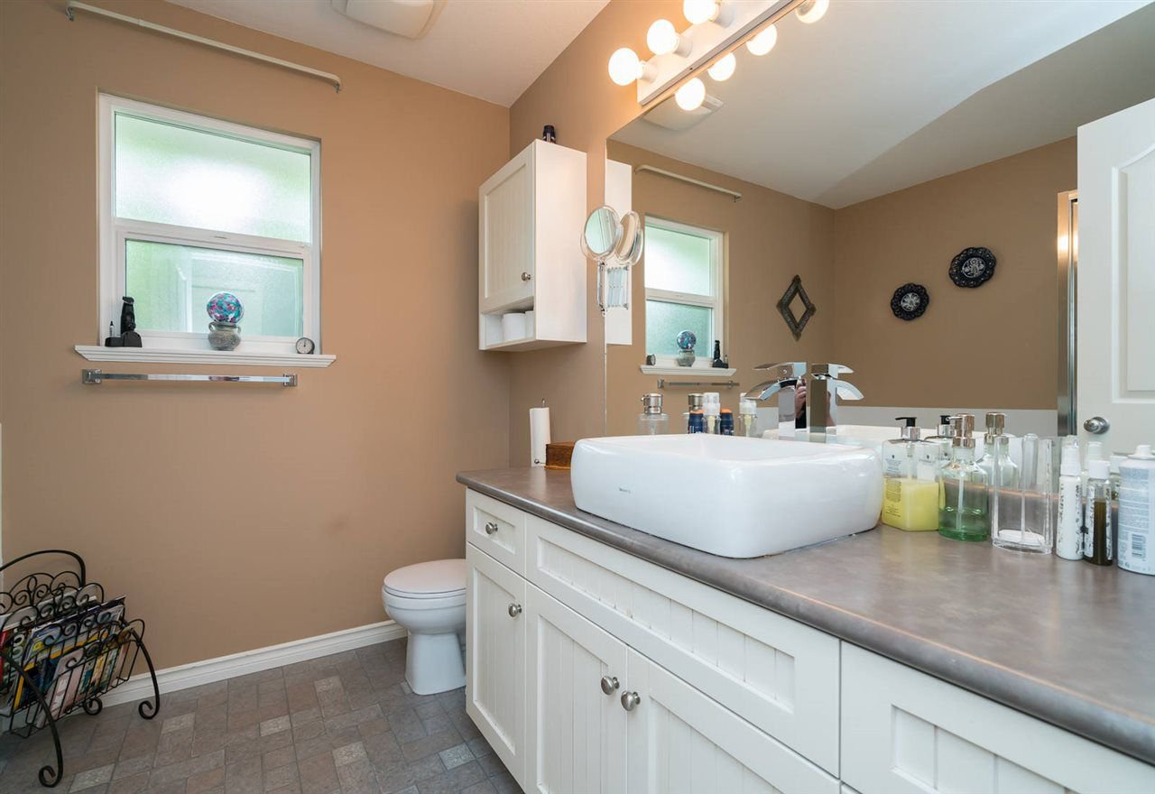 Photo 13: Photos: 23925 115A Avenue in Maple Ridge: Cottonwood MR House for sale : MLS®# R2297575