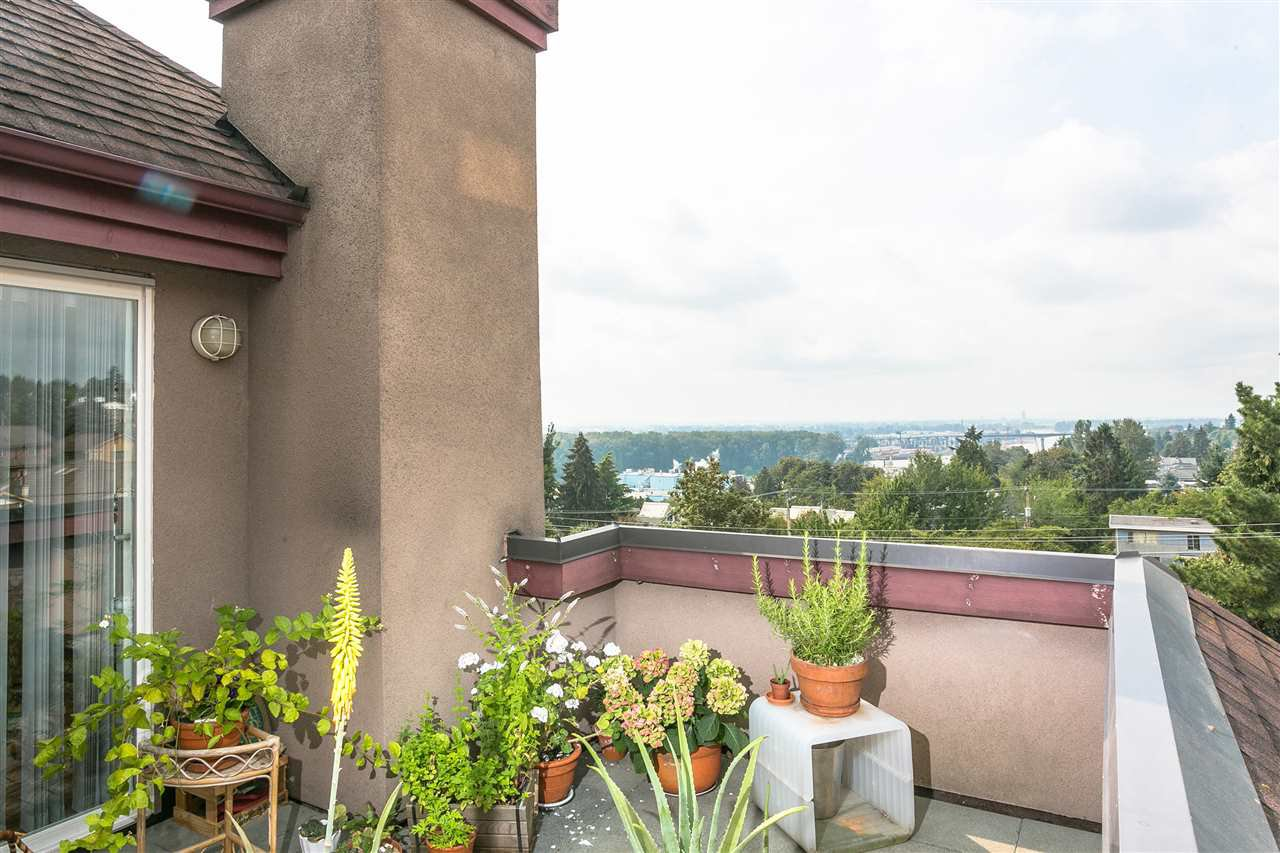"""Main Photo: 407 580 TWELFTH Street in New Westminster: Uptown NW Condo for sale in """"THE REGENCY"""" : MLS®# R2322391"""