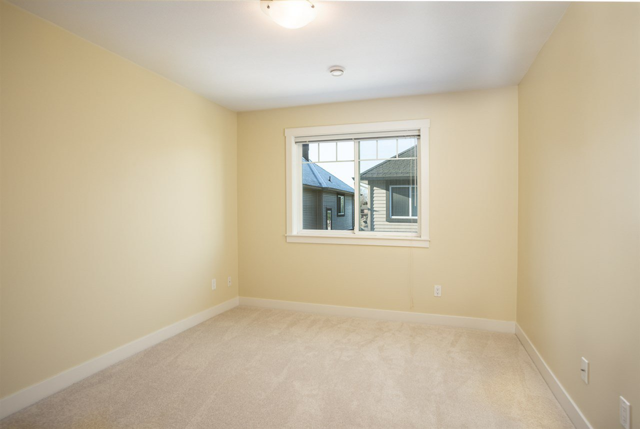 "Photo 8: Photos: 9 9699 SILLS Avenue in Richmond: McLennan North Townhouse for sale in ""KINSBRIDGE"" : MLS®# R2326507"