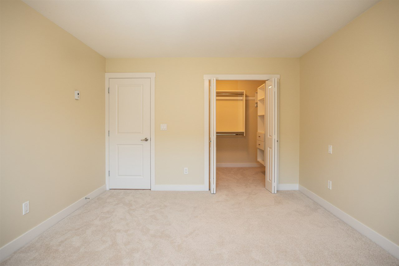 "Photo 2: Photos: 9 9699 SILLS Avenue in Richmond: McLennan North Townhouse for sale in ""KINSBRIDGE"" : MLS®# R2326507"