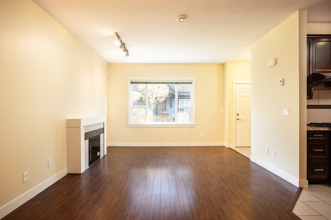 "Photo 6: Photos: 9 9699 SILLS Avenue in Richmond: McLennan North Townhouse for sale in ""KINSBRIDGE"" : MLS®# R2326507"