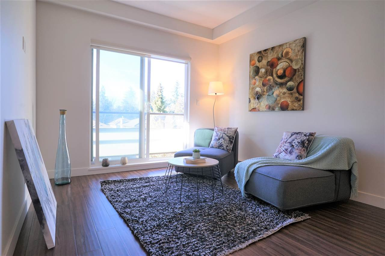 Main Photo: 206 7727 ROYAL OAK Avenue in Burnaby: South Slope Condo for sale (Burnaby South)  : MLS®# R2344264
