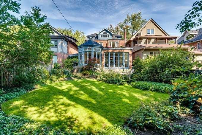 Photo 20: Photos: 19 St Andrews Gardens in Toronto: Rosedale-Moore Park House (2 1/2 Storey) for sale (Toronto C09)  : MLS®# C4395576