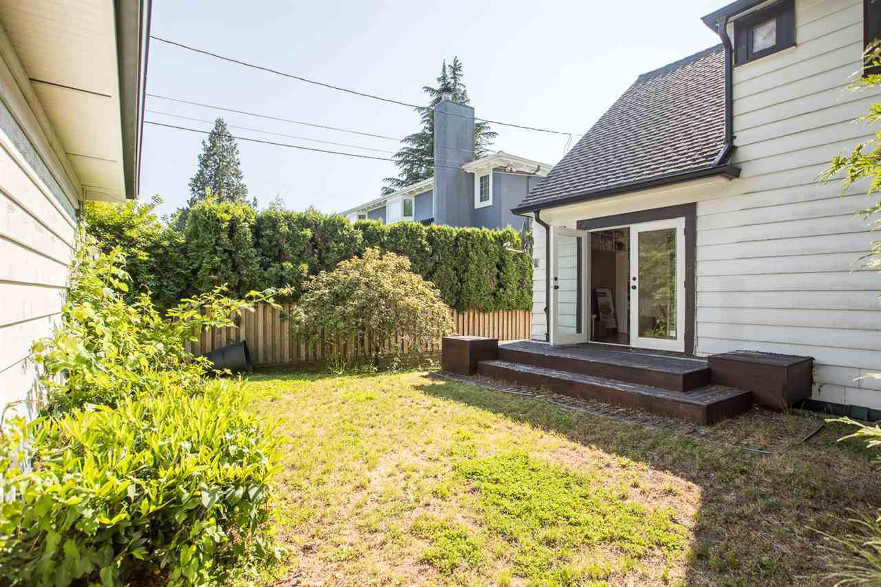 "Photo 12: Photos: 7308 ANGUS Drive in Vancouver: South Granville House for sale in ""South Granville"" (Vancouver West)  : MLS®# R2374219"