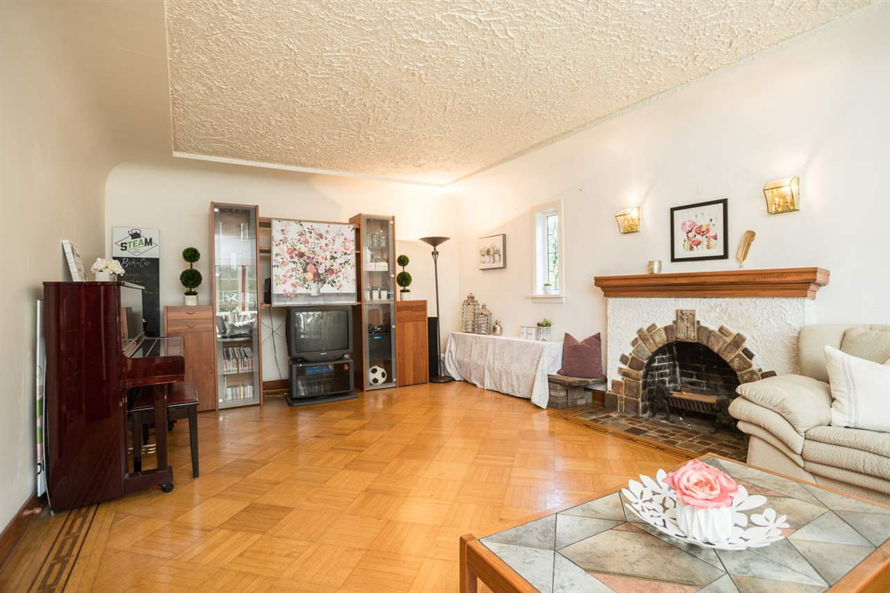 "Photo 4: Photos: 7308 ANGUS Drive in Vancouver: South Granville House for sale in ""South Granville"" (Vancouver West)  : MLS®# R2374219"