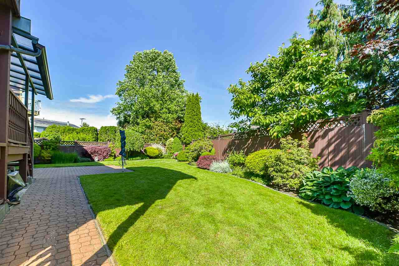 """Photo 19: Photos: 412 GLENBROOK Drive in New Westminster: Fraserview NW House for sale in """"Fraserview"""" : MLS®# R2379279"""