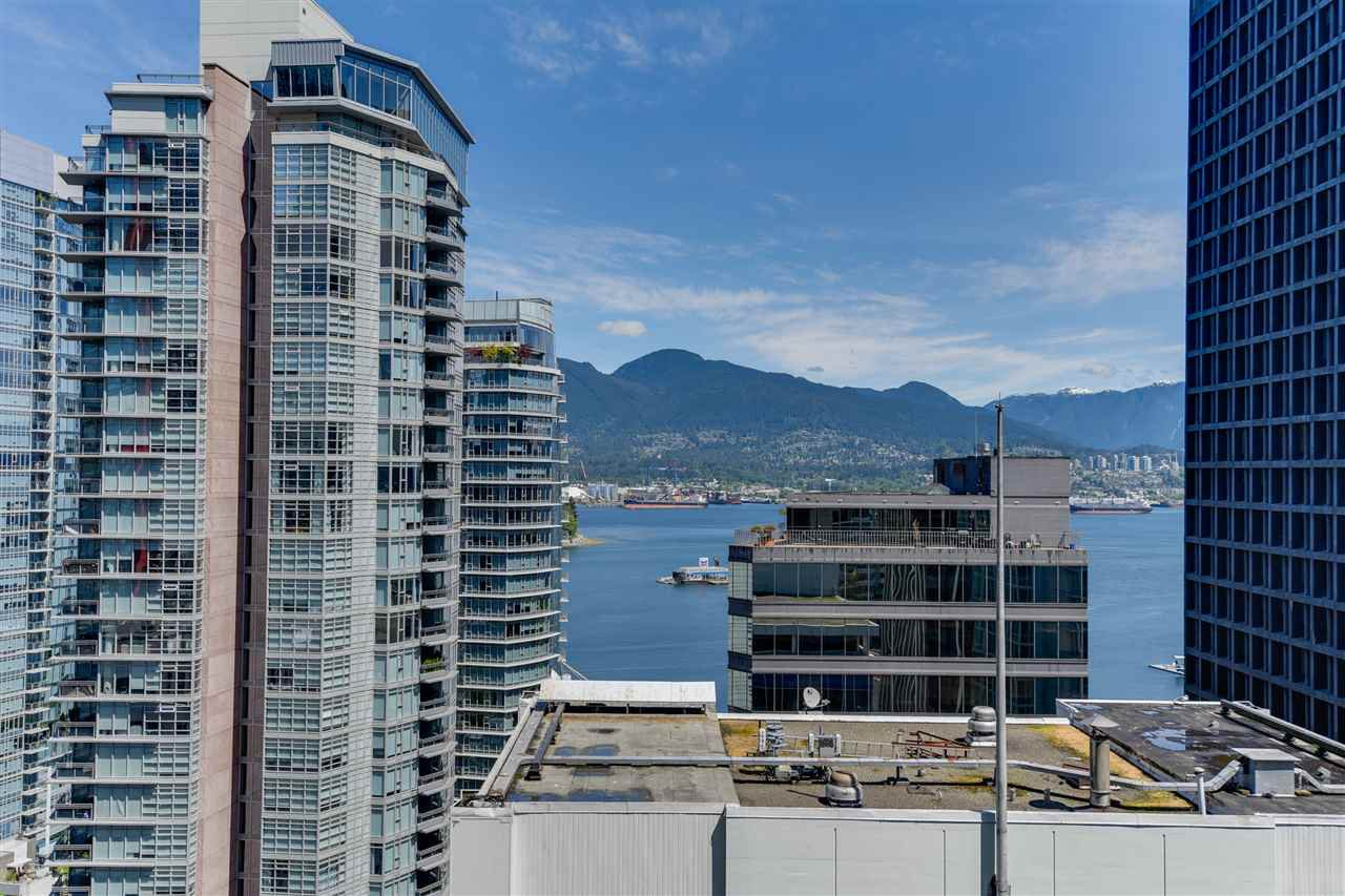 """Photo 3: Photos: 1903 1188 W PENDER Street in Vancouver: Coal Harbour Condo for sale in """"Sapphire"""" (Vancouver West)  : MLS®# R2387389"""