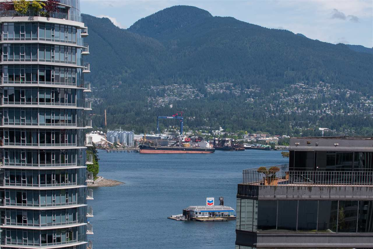 """Photo 2: Photos: 1903 1188 W PENDER Street in Vancouver: Coal Harbour Condo for sale in """"Sapphire"""" (Vancouver West)  : MLS®# R2387389"""