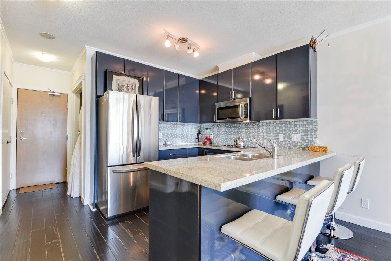 """Photo 10: Photos: 1903 1188 W PENDER Street in Vancouver: Coal Harbour Condo for sale in """"Sapphire"""" (Vancouver West)  : MLS®# R2387389"""