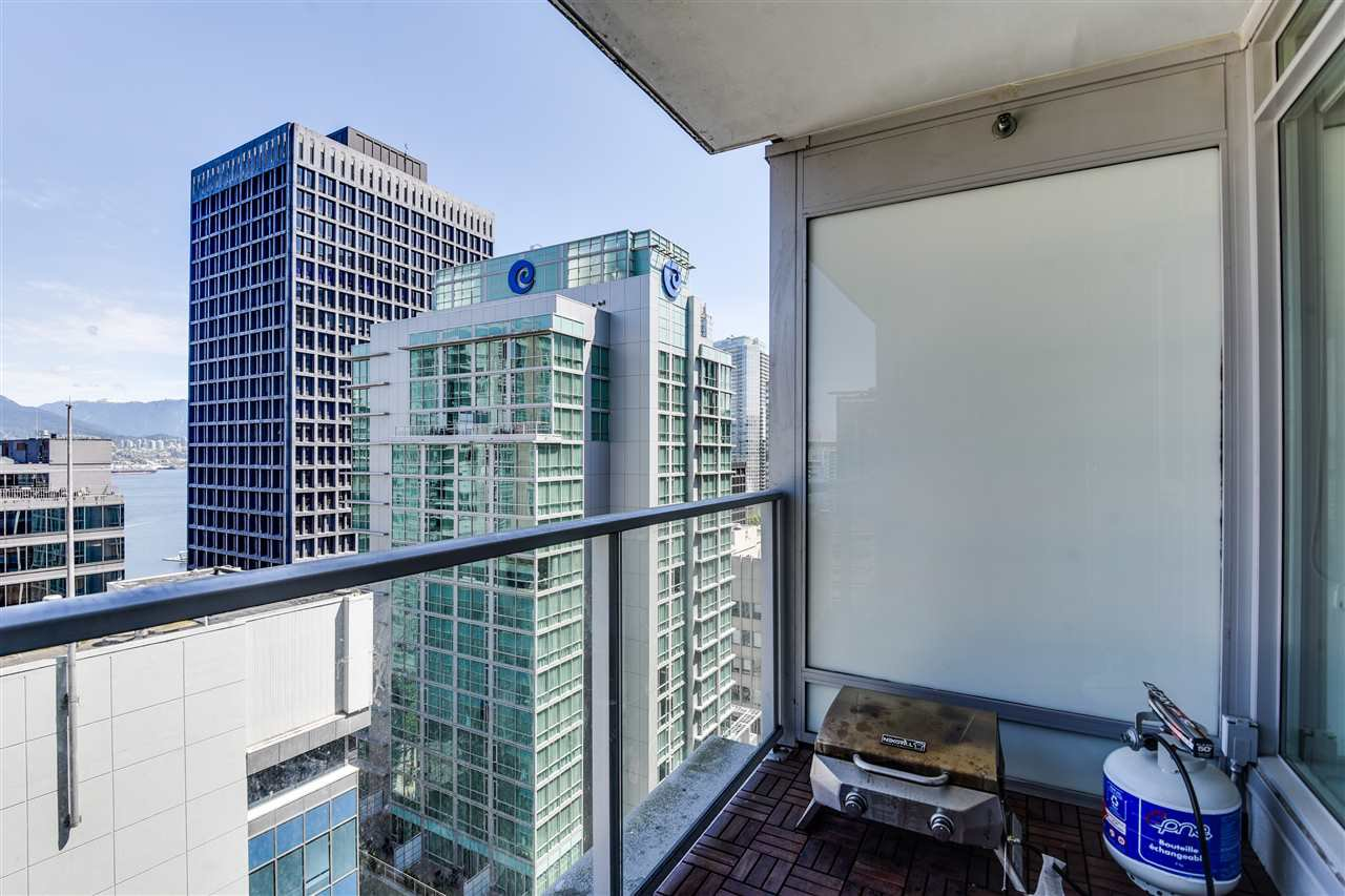 """Photo 16: Photos: 1903 1188 W PENDER Street in Vancouver: Coal Harbour Condo for sale in """"Sapphire"""" (Vancouver West)  : MLS®# R2387389"""