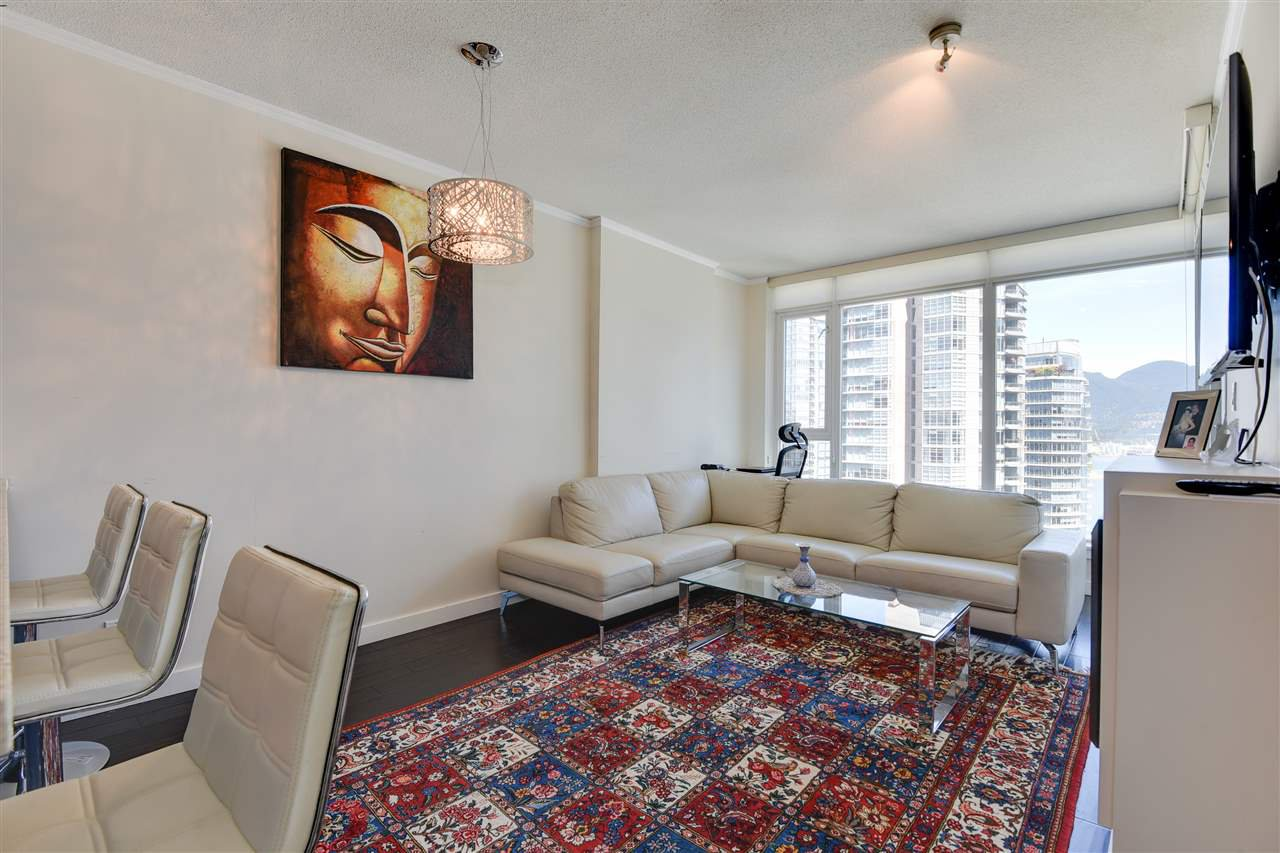 """Photo 7: Photos: 1903 1188 W PENDER Street in Vancouver: Coal Harbour Condo for sale in """"Sapphire"""" (Vancouver West)  : MLS®# R2387389"""