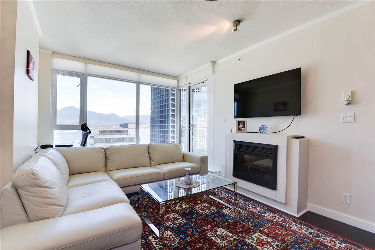 """Photo 8: Photos: 1903 1188 W PENDER Street in Vancouver: Coal Harbour Condo for sale in """"Sapphire"""" (Vancouver West)  : MLS®# R2387389"""