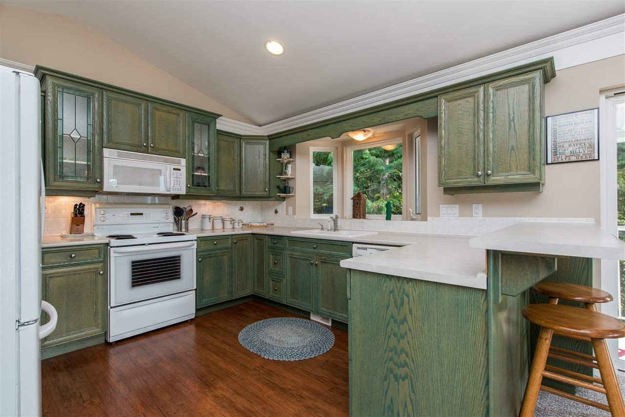 Photo 5: Photos: 6960 ROCKWELL Drive: Harrison Hot Springs House for sale : MLS®# R2462377