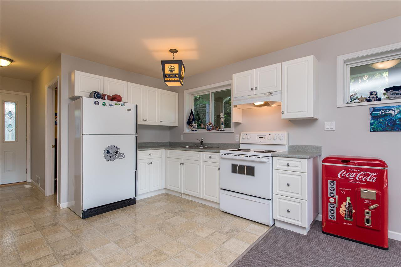 Photo 15: Photos: 6960 ROCKWELL Drive: Harrison Hot Springs House for sale : MLS®# R2462377