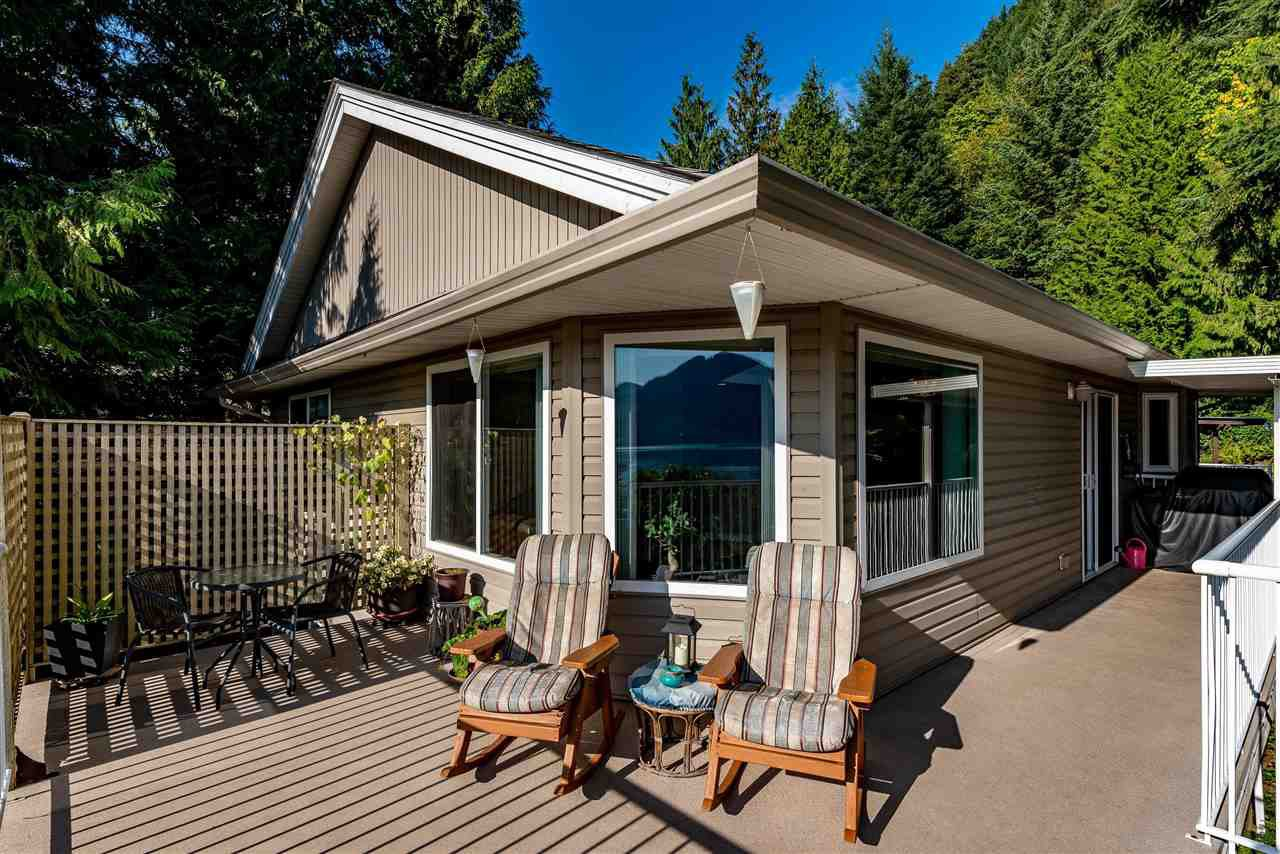 Photo 12: Photos: 6960 ROCKWELL Drive: Harrison Hot Springs House for sale : MLS®# R2462377