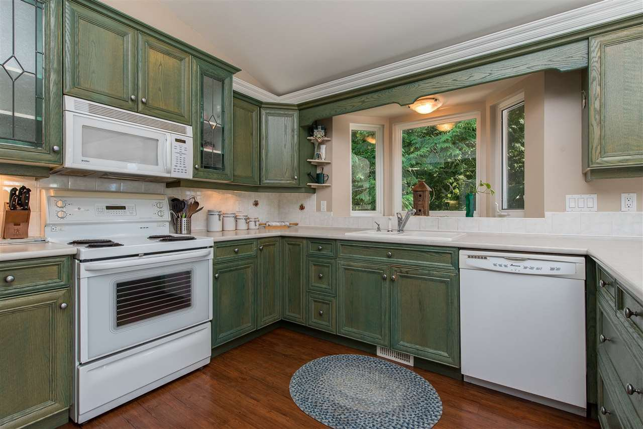Photo 6: Photos: 6960 ROCKWELL Drive: Harrison Hot Springs House for sale : MLS®# R2462377