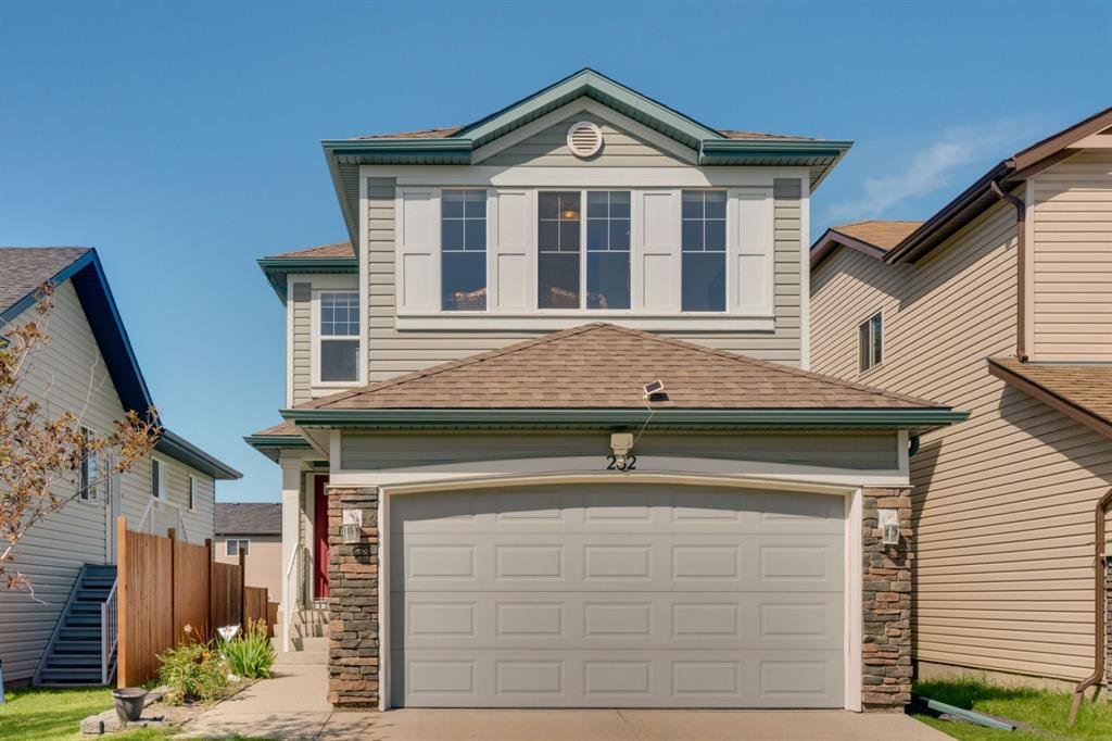 Main Photo: 282 COVECREEK Close NE in Calgary: Coventry Hills Detached for sale : MLS®# A1011905