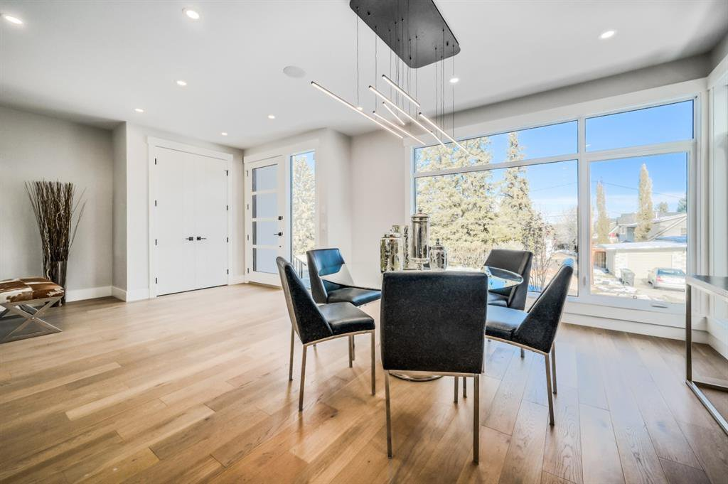 Photo 4: Photos: 827 25 Avenue NW in Calgary: Mount Pleasant Detached for sale : MLS®# A1045527