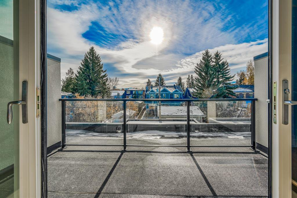 Photo 34: Photos: 827 25 Avenue NW in Calgary: Mount Pleasant Detached for sale : MLS®# A1045527