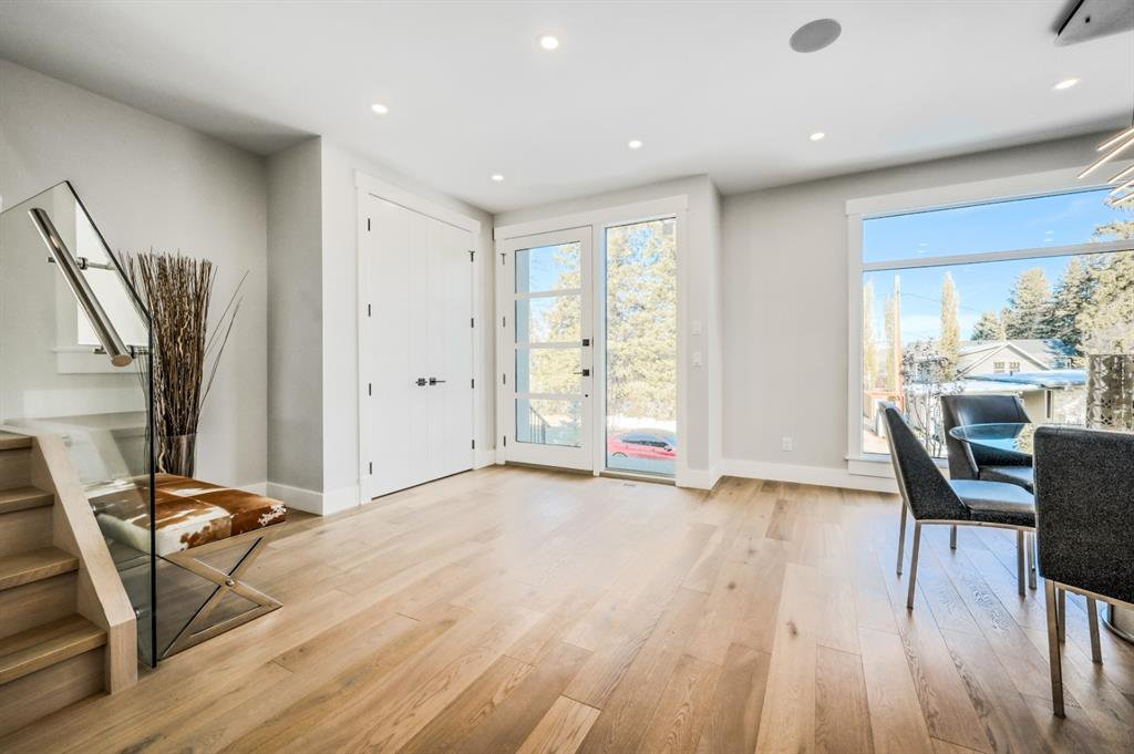 Photo 3: Photos: 827 25 Avenue NW in Calgary: Mount Pleasant Detached for sale : MLS®# A1045527