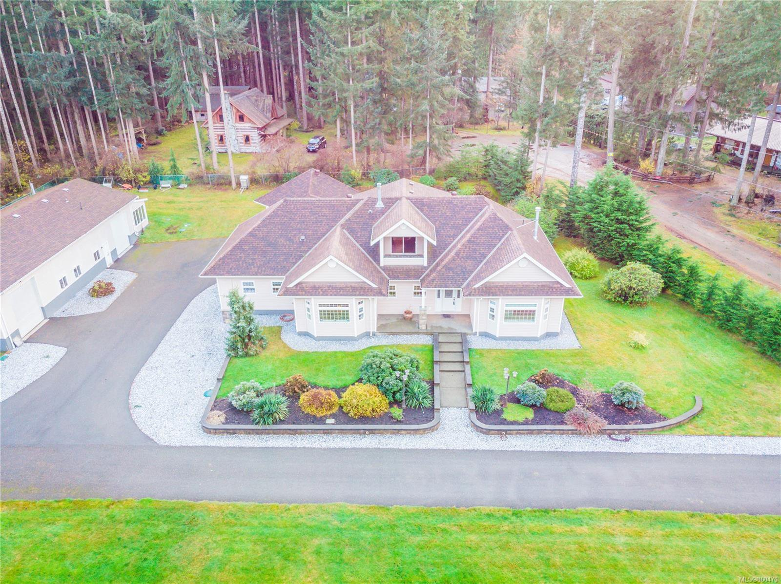 Main Photo: 4410 Brian Rd in : CR Campbell River South House for sale (Campbell River)  : MLS®# 860470