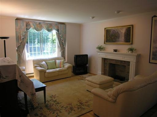 Photo 2: Photos: 2233 West 47th Avenue in Vancouver: Kerrisdale Home for sale ()