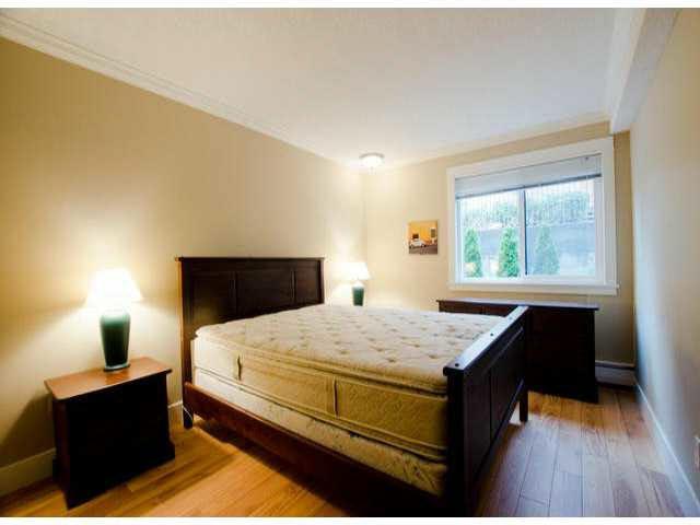 "Photo 10: Photos: 102 1444 MARTIN Street: White Rock Condo for sale in ""MARTINVIEW MANOR"" (South Surrey White Rock)  : MLS®# F1407746"