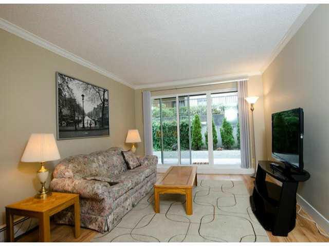 "Photo 4: Photos: 102 1444 MARTIN Street: White Rock Condo for sale in ""MARTINVIEW MANOR"" (South Surrey White Rock)  : MLS®# F1407746"