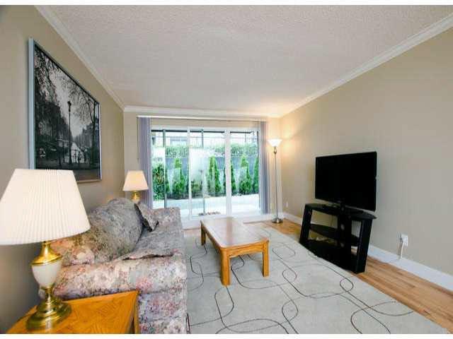 "Photo 3: Photos: 102 1444 MARTIN Street: White Rock Condo for sale in ""MARTINVIEW MANOR"" (South Surrey White Rock)  : MLS®# F1407746"