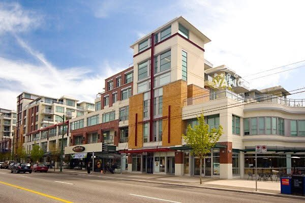 "Main Photo: 410 2228 W BROADWAY in Vancouver: Kitsilano Condo for sale in ""THE VINE"" (Vancouver West)  : MLS®# V1093342"