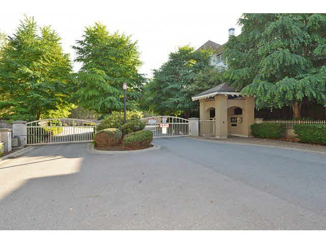 "Main Photo: 105 15210 GUILDFORD Drive in Surrey: Guildford Condo for sale in ""BOULEVARD CLUB"" (North Surrey)  : MLS®# F1431730"