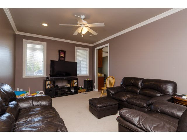 Photo 12: Photos: 15440 96TH Avenue in Surrey: Guildford House for sale (North Surrey)  : MLS®# F1448668