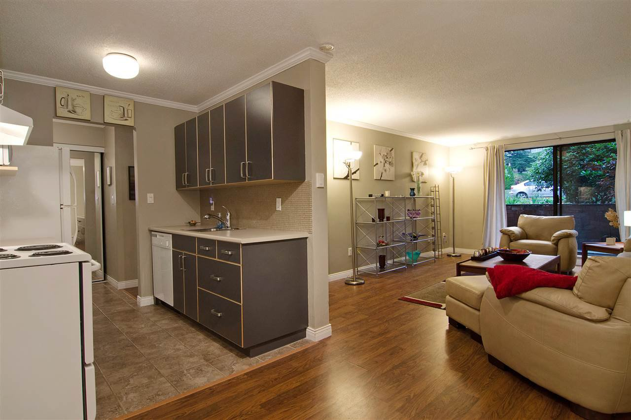 "Main Photo: 109 357 E 2ND Street in North Vancouver: Lower Lonsdale Condo for sale in ""Thornecliffe"" : MLS®# R2009279"