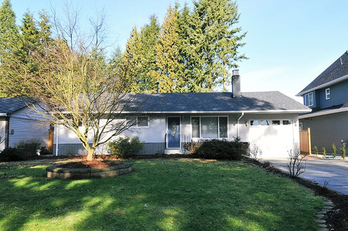 Main Photo: 1651 ROBERTSON Avenue in Port Coquitlam: Glenwood PQ House for sale : MLS®# R2033421