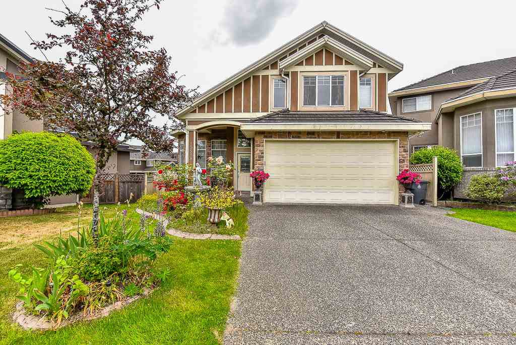 Main Photo: 15558 109A Avenue in Surrey: Fraser Heights House for sale (North Surrey)  : MLS®# R2071026