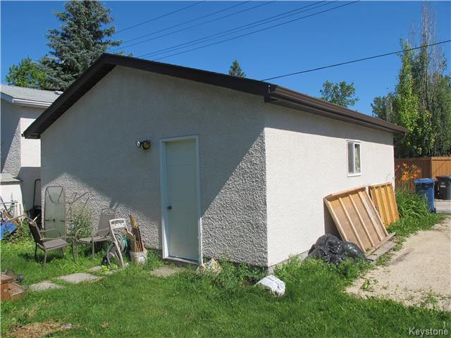Photo 3: Photos:  in Winnipeg: East Kildonan Residential for sale (3D)  : MLS®# 1621534