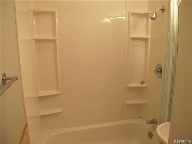 Photo 16: Photos:  in Winnipeg: East Kildonan Residential for sale (3D)  : MLS®# 1621534