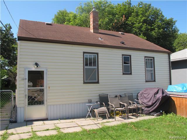 Photo 2: Photos:  in Winnipeg: East Kildonan Residential for sale (3D)  : MLS®# 1621534