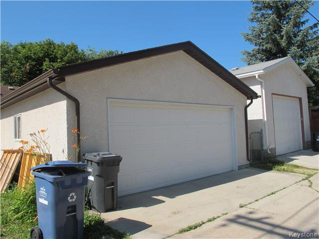 Photo 4: Photos:  in Winnipeg: East Kildonan Residential for sale (3D)  : MLS®# 1621534