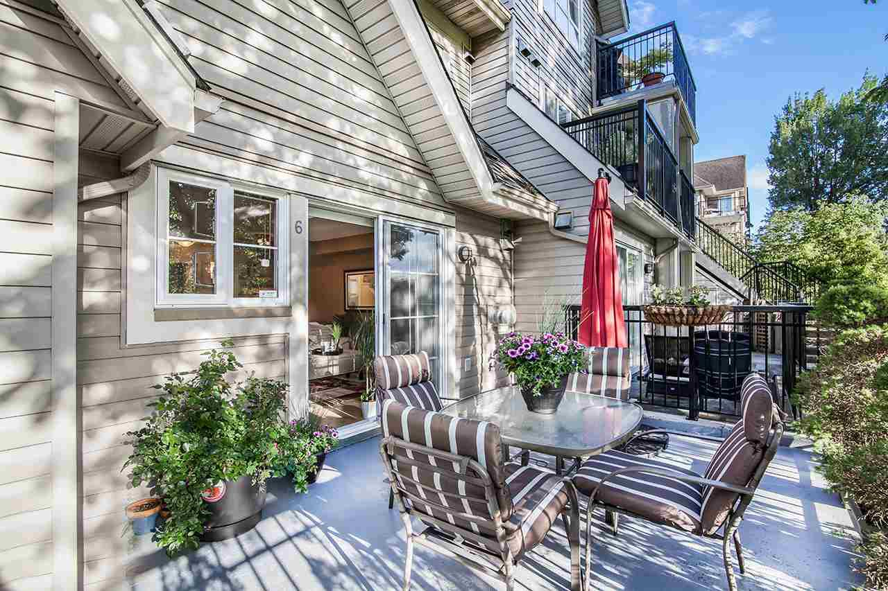 "Main Photo: 6 9339 ALBERTA Road in Richmond: McLennan North Townhouse for sale in ""TRELLAINE"" : MLS®# R2177330"